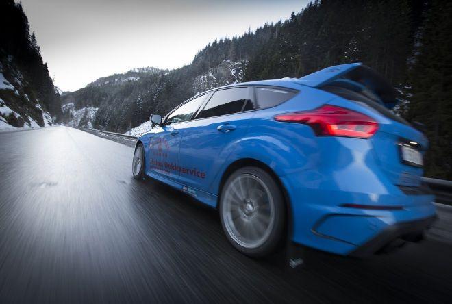 慢活北歐-全球第一部Ford Focus RS計程車
