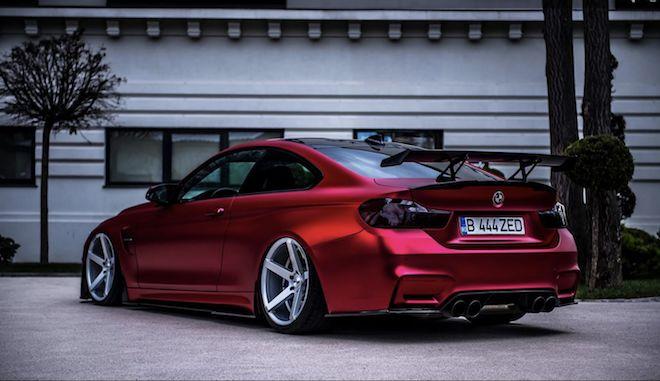 超特殊的Satin Red BMW M4,加上這緊繃再緊繃的圈胎設定,還不跟著改?