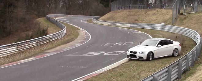 在沒有過多的動態輔助設備下,BMW E92 M3最終能不能過得了這個彎呢?