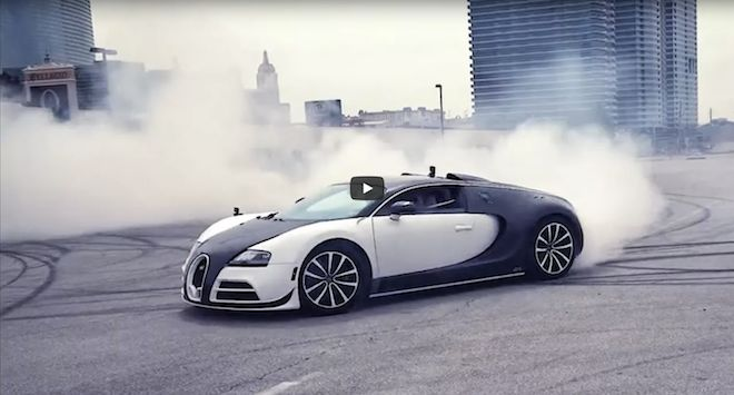 看看這輛價值230萬的Bugatti Veyron如何在這段影片中甩掉你「10年」薪水!