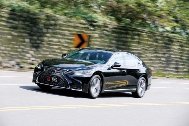 老闆自駕車 Lexus LS 350