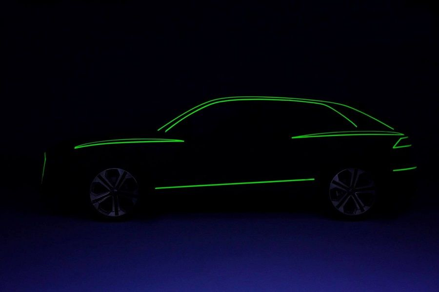 Audi Q8 「線」身?現身?