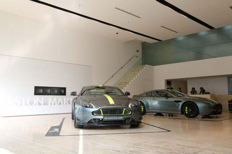 終極珍藏版出爐Aston Martin Vantage AMR