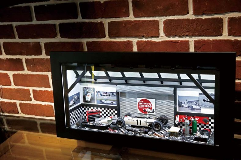 法國3D手工模型畫 把車庫裝在牆壁裡