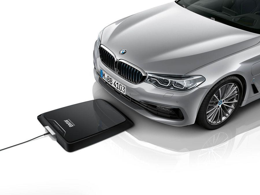 停好位置就充電 !BMW推出530e iPerformance專屬無線充電板!