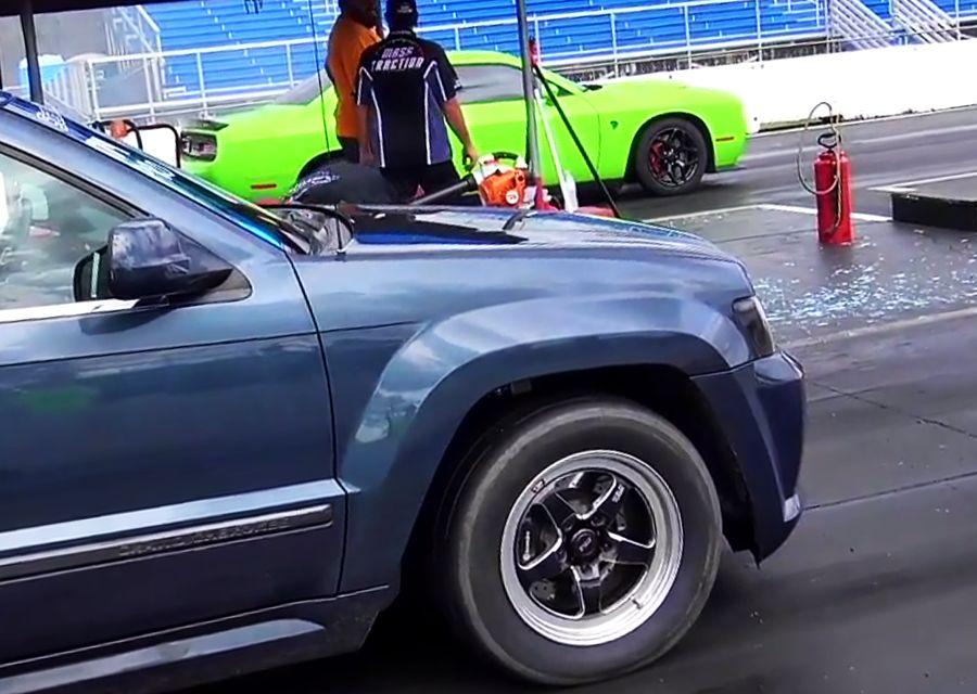 Challenger Hellcat地獄貓對上SRT8休旅!2,000匹馬力之戰!