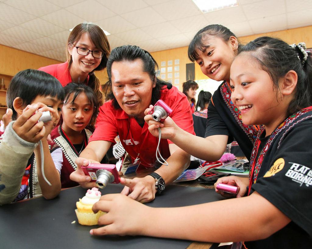中華三菱舉辦「為幸福出發 童心瞰視界」偏鄉小學攝影活動