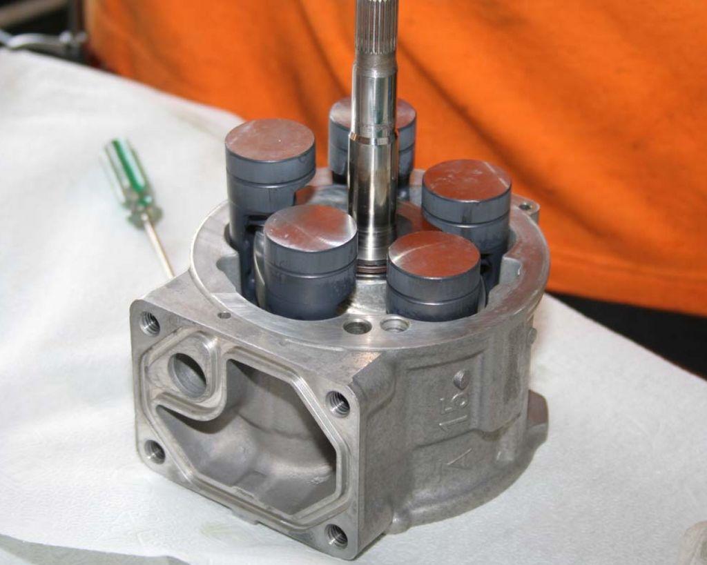 【汽車知識】冷氣壓縮機也能翻修?