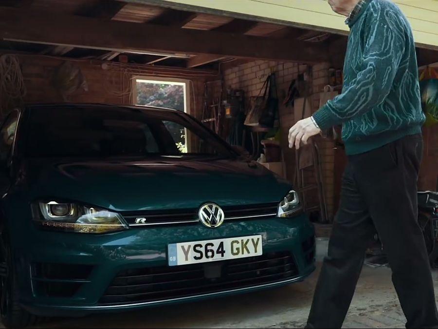 (影音)75歲還是每天開600匹馬力VW Golf R!