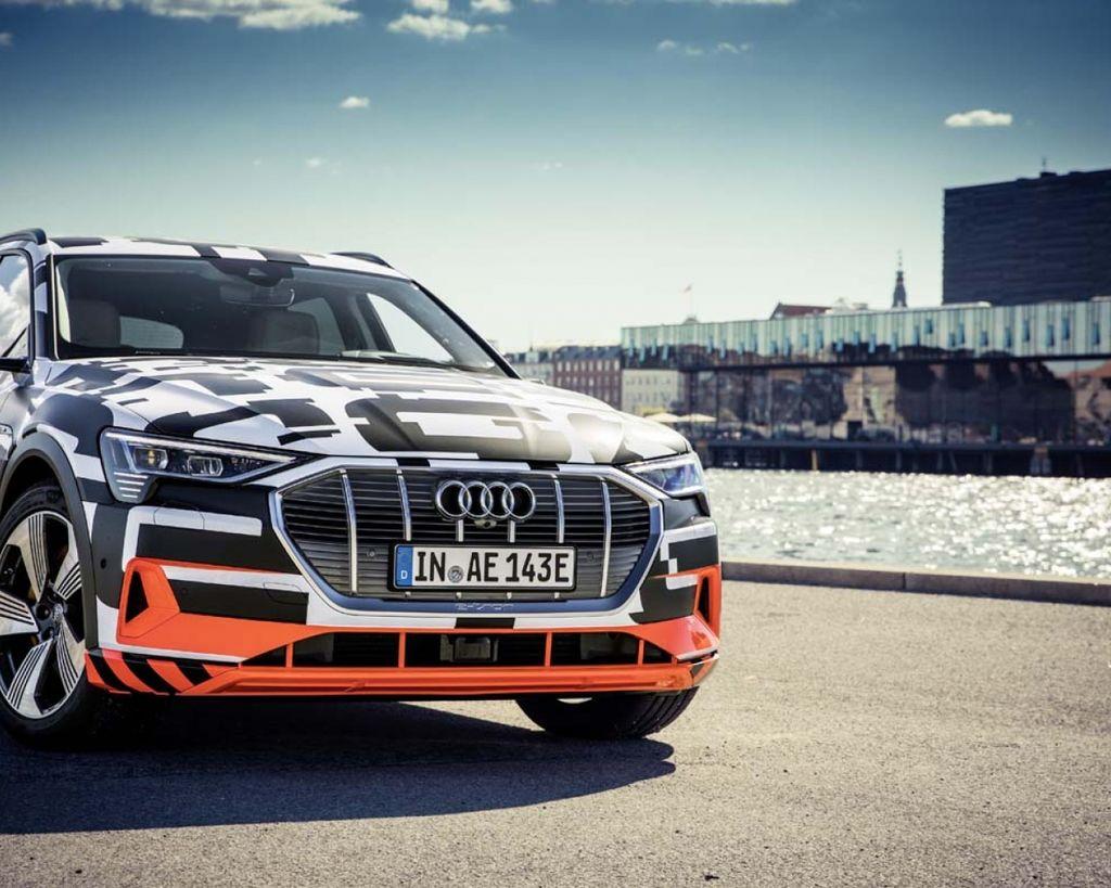 Audi e-tron prototype 內裝車艙首度展演