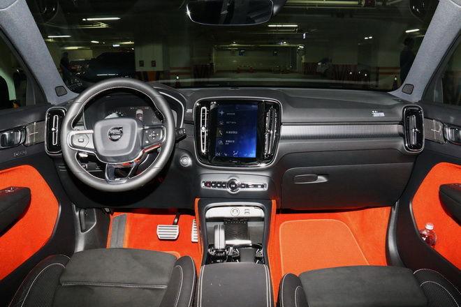 北歐新銳時尚小休旅 Volvo XC40 T5 R-Design Premier Edition試駕-外觀內裝篇: Page 2 of 2
