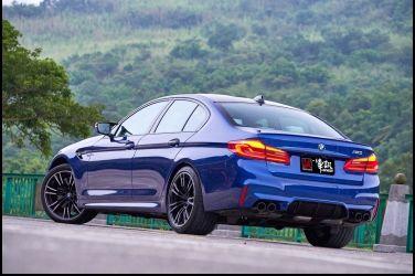 終極跑房車BMW M5(下)600hp的顫慄