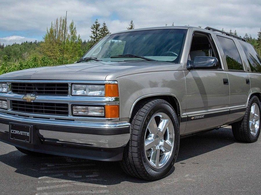 難以想像!這輛20年的老休旅車竟然搭載Chevrolet Corvette的引擎?