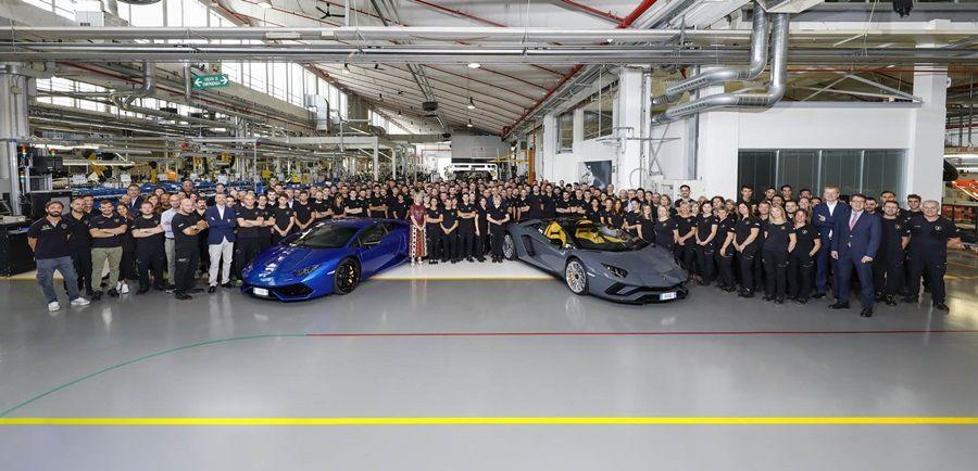 Lamborghini慶祝第11000輛Huracan第8000輛Aventador出廠