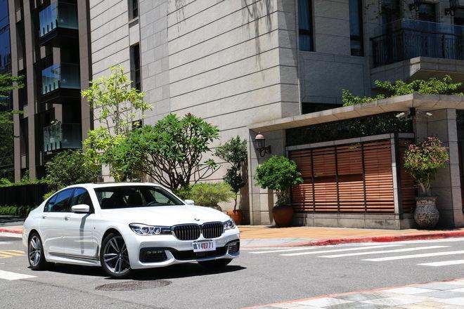 豪華旗艦運動房車 BMW 740i M Sport試駕