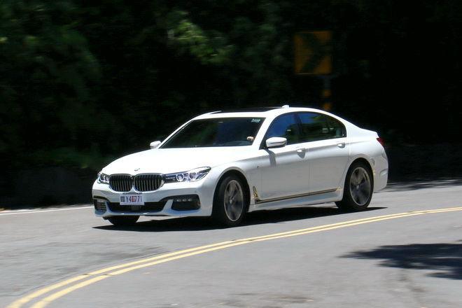 豪華旗艦運動房車 BMW 740i M Sport試駕: Page 2 of 2