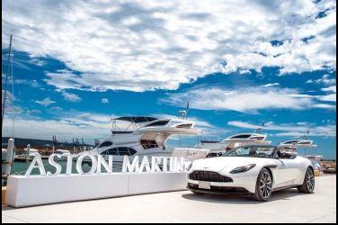 美形王者Aston Martin DB11 V8 Volante