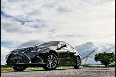 舒適外的運動跑格  Lexus ES 200(上)