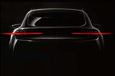 Ford純電動SUV預告圖源自於傳奇跑車Ford Mustang