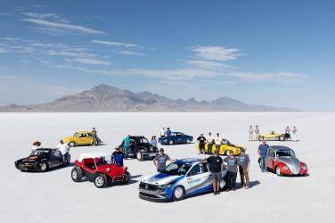 原廠不玩直線加速嗎?  VW Jetta紮實的跑335.49km/h給你看!