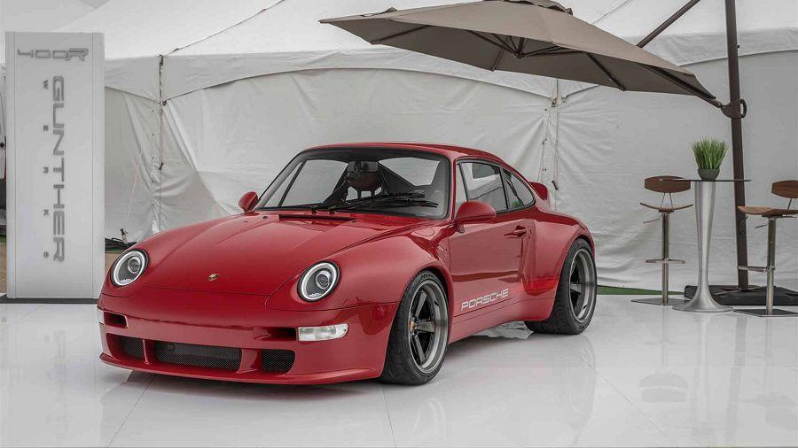 有了面子也有裡子!Gunther Werks替碳纖維車體的Porsche 911換上亮紅色外衣!