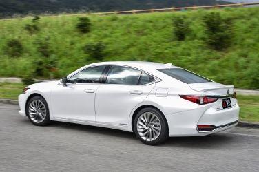 小心電擊   Lexus ES 300h(下)