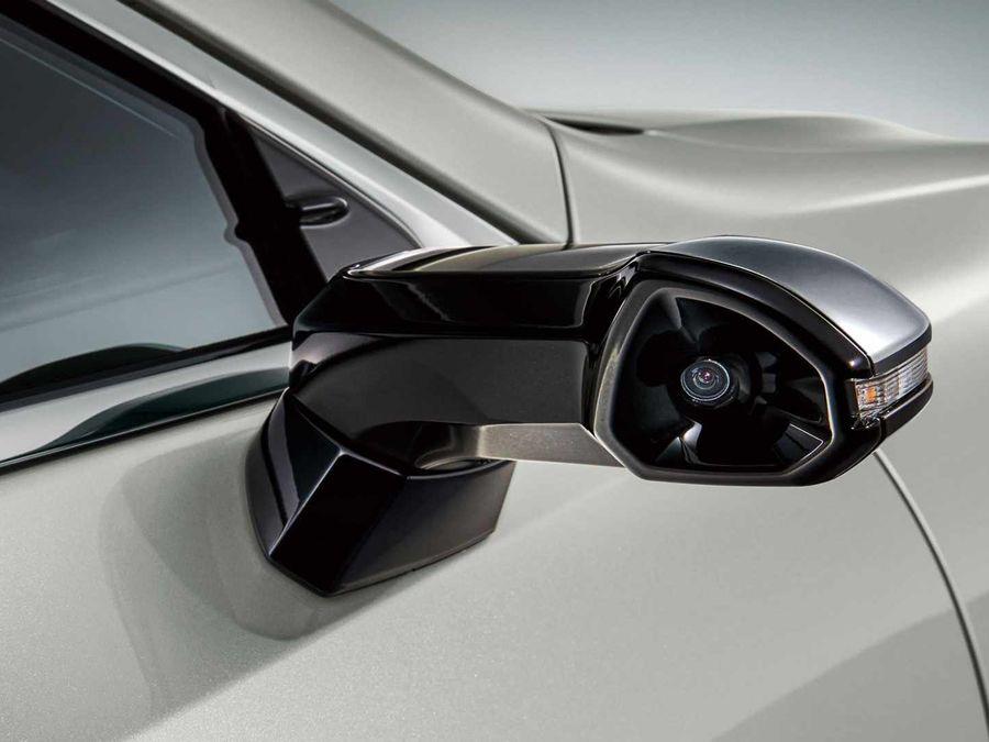 日本國內Lexus ES車系成為全球首款搭載數位攝影後視鏡量產車!