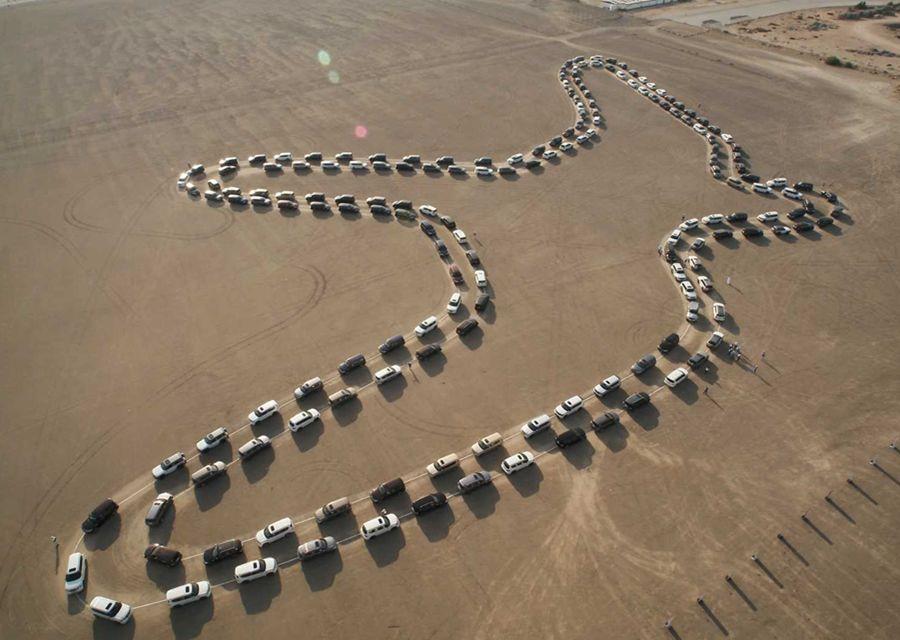 醬也行?!Nissan Patrol創下最多車同步跳舞金氏世界紀錄