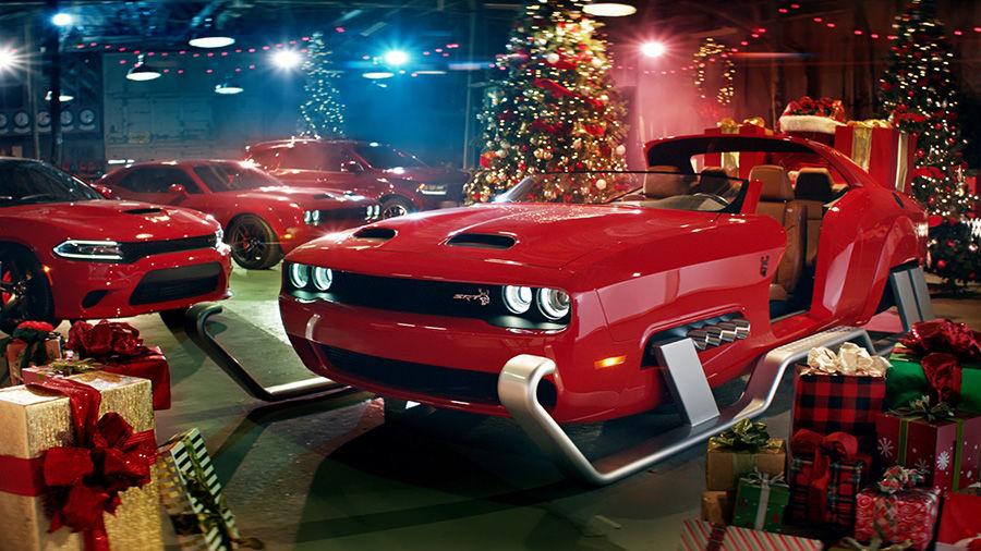 美式肌肉版聖誕老人座駕!近800匹馬力Dodge地獄貓改的!
