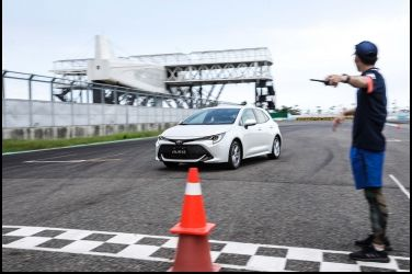 Toyota Auris第一戰   Mazda 3真如想像挫勒等?(上)