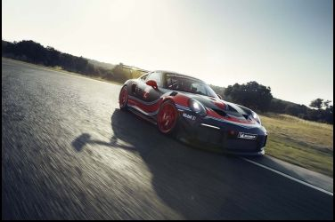 700 匹馬力全新Porsche 911 GT2 RS Clubsport