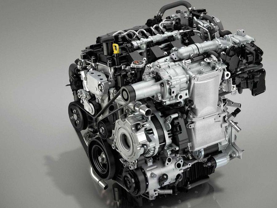 Mazda對於內燃機引擎的鍾情程度仍然高過電動動力