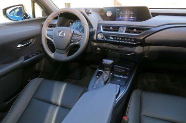 入門跨界小戰將 (中)  Lexus UX 200/UX 250h  Autopolis賽道首試