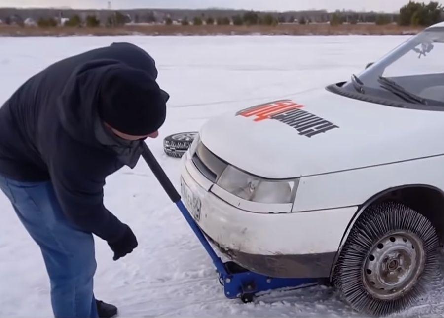 用3000支鋼釘做成輪胎,開起來是什麼感覺?(影片)