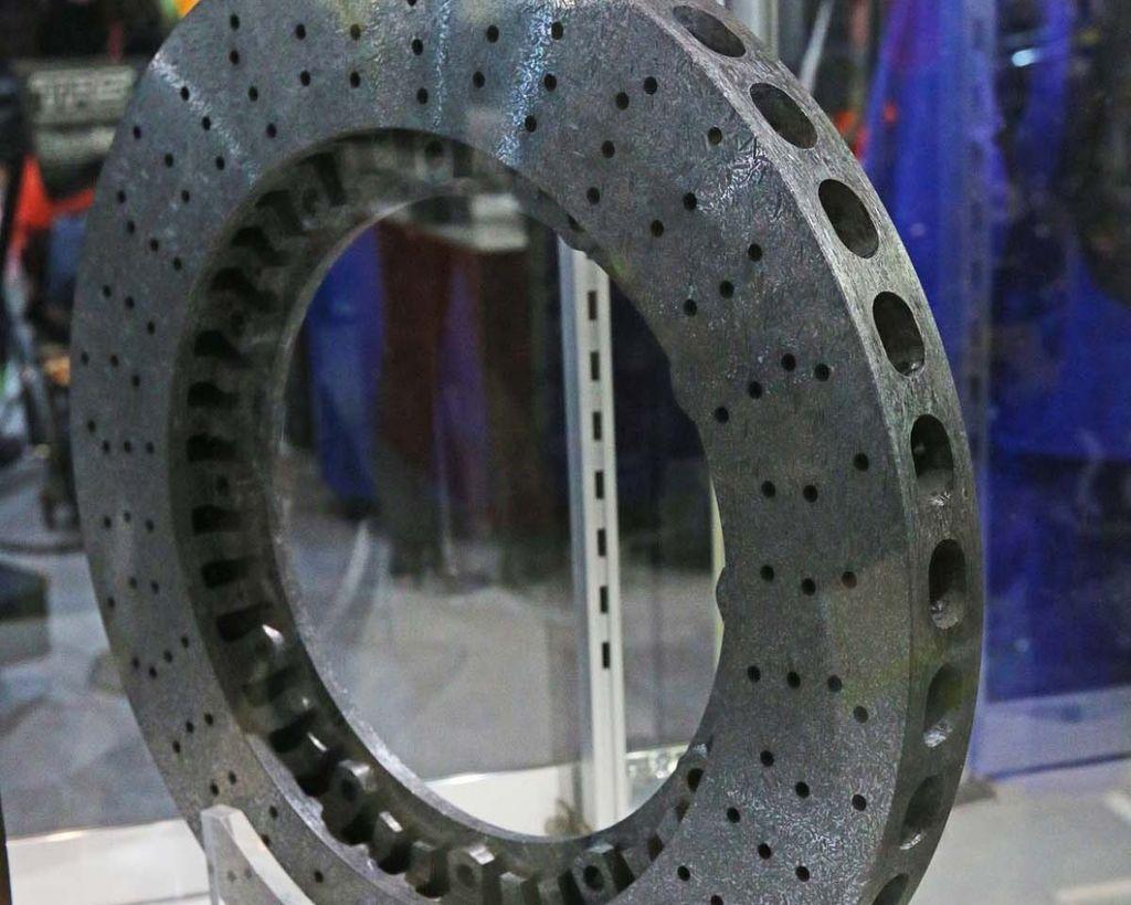 愛車Q&A:輕量化的陶瓷碟盤正常使用可以很長久
