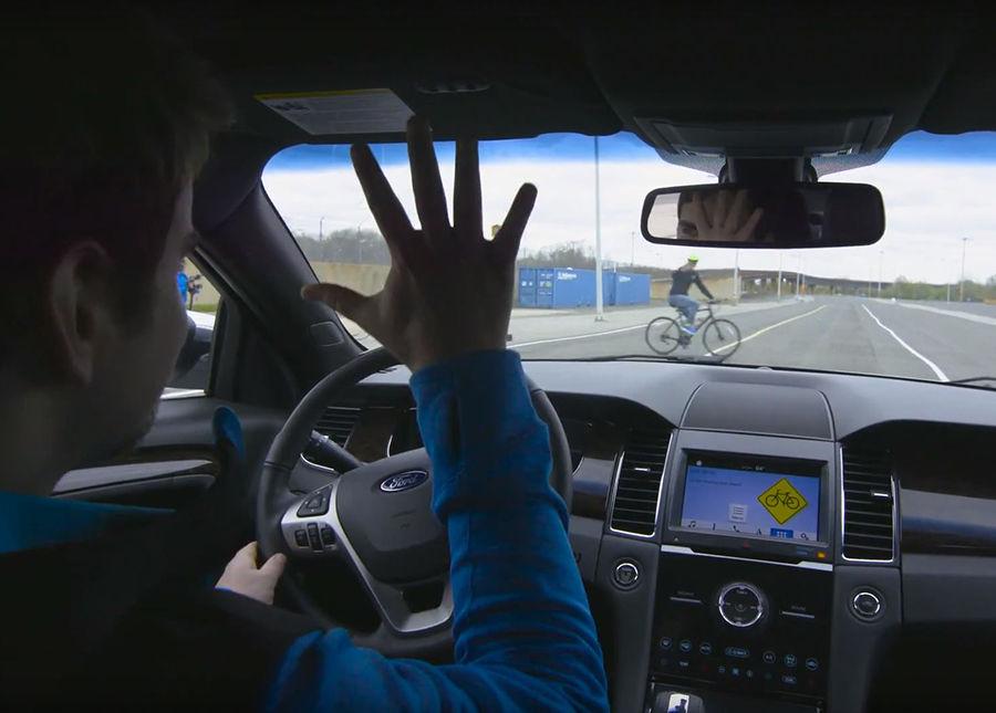 杜卡迪實現交通工具間的互相溝通,讓用路人更安全(影片)