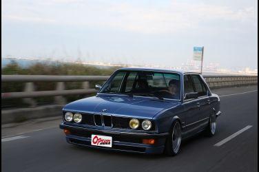 1988 BMW E28 5 Series   滿滿的自我意識表現(上、訂製全新動力系統  自然進氣爆音更顯特別)