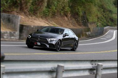 美形四門   Mercedes-Benz CLS 350(上)