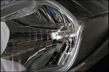 [專題企畫-頭燈] PART1  什麼是車用LED燈泡?  燈組或燈泡大不相同 !!