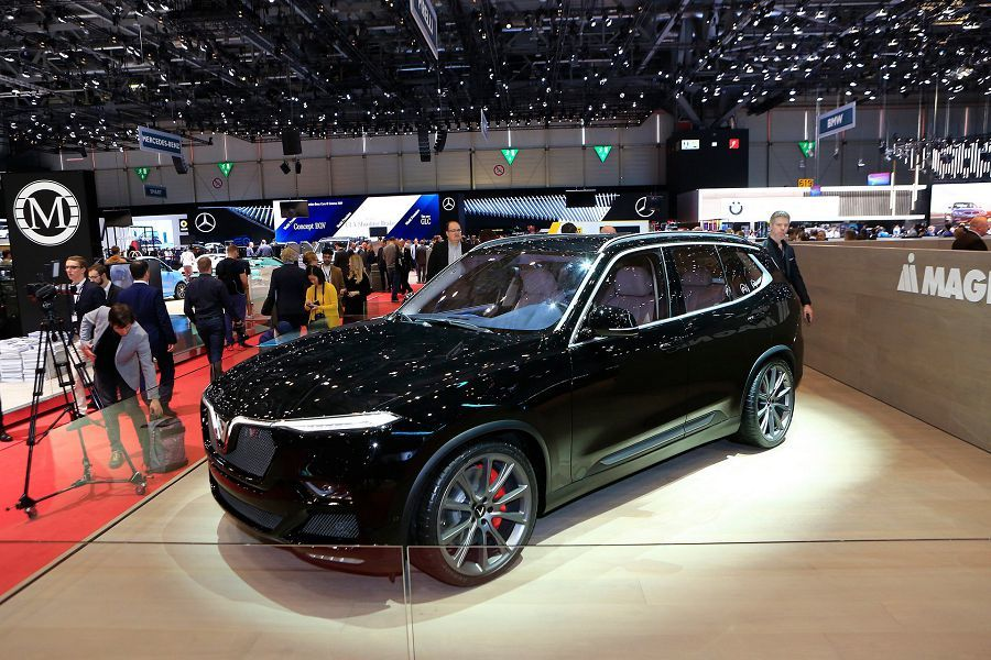 越南血統的VinFast Lux V8不僅有著455HP的輸出,還擁有300 KM/H的極速!