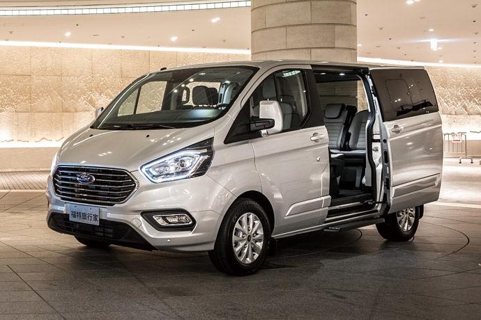 商務夥伴    Ford Tourneo Custom