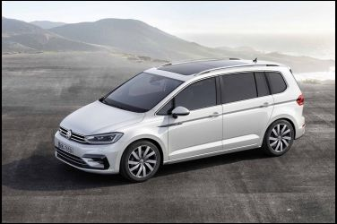 Volkswagen Touran四連霸 奪「最佳進口中型MPV 」殊榮