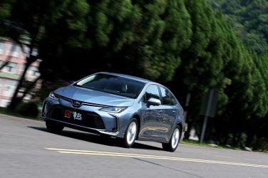 強者更強  Toyota Corolla Altis 1.8 Hybrid !!(下)