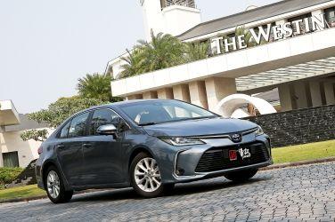強者更強  Toyota Corolla Altis 1.8 Hybrid !!(上)