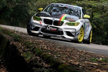 新車價超過2百萬  還沒開直接拖去大改!!  BMW M235i Race Car