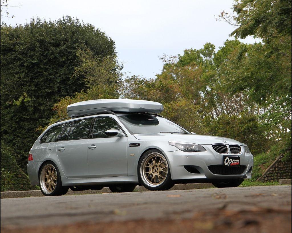 BMW M5 E61 Touring 低調大叔的家庭座駕 !!