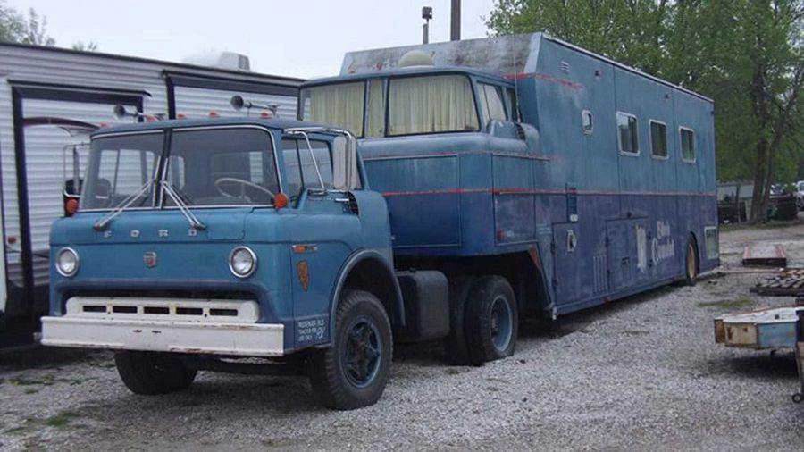 獨特的Ford露營車就像一座1970年代的時光膠囊