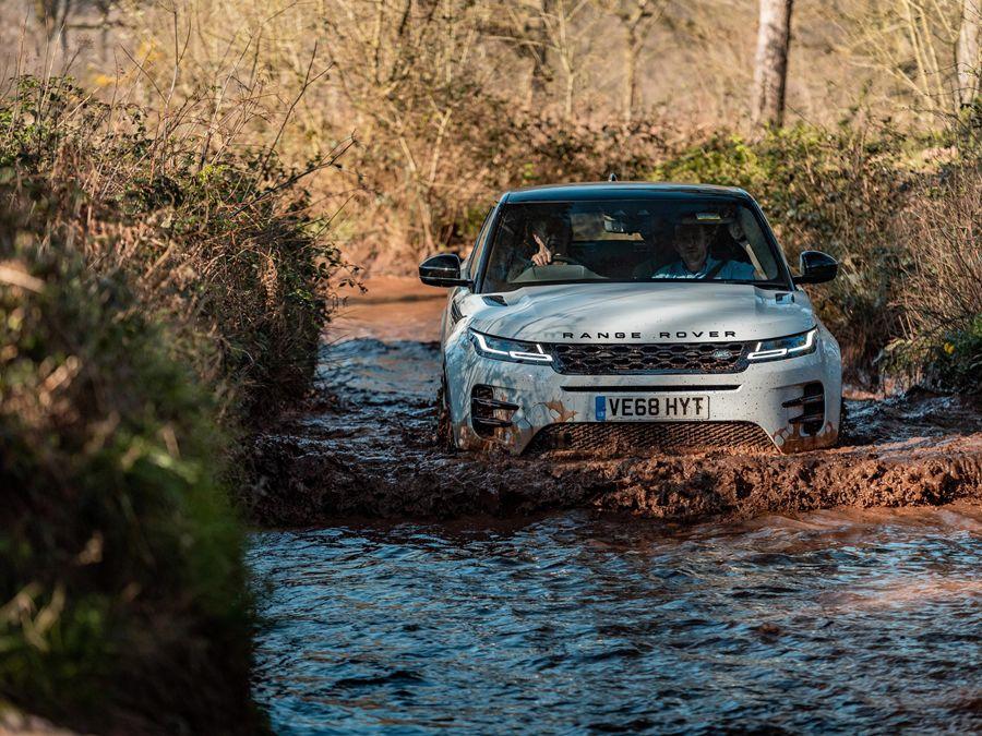 開車小常識:大雨過後如非必要應避免行駛山區道路