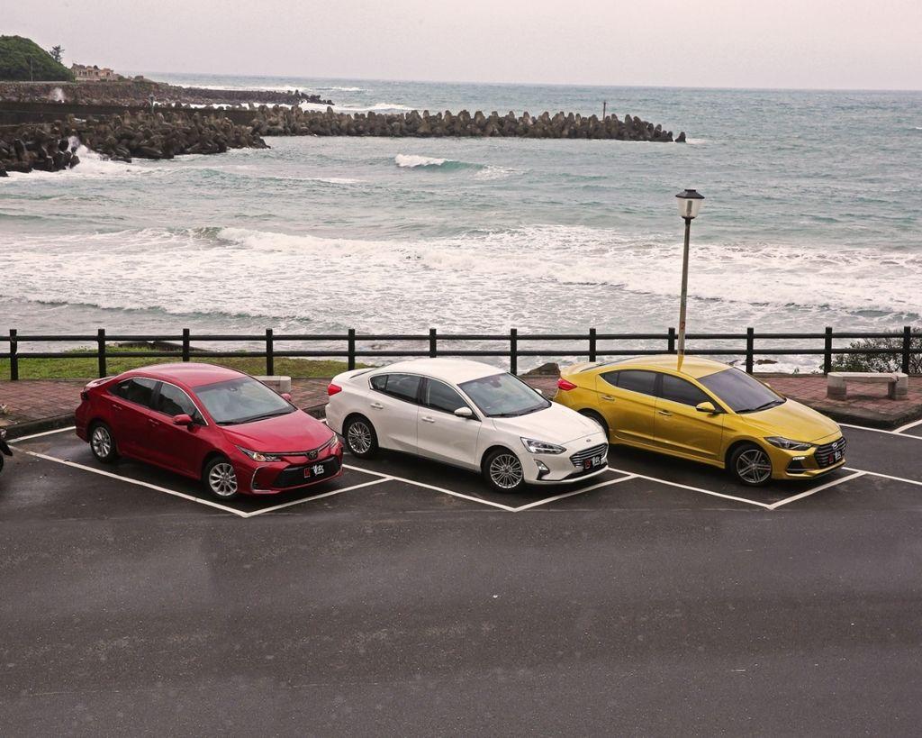 國產四門主流對抗賽 Toyota Corolla Altis vs. Ford Focus 4D vs. Hyundai Elantra Sport