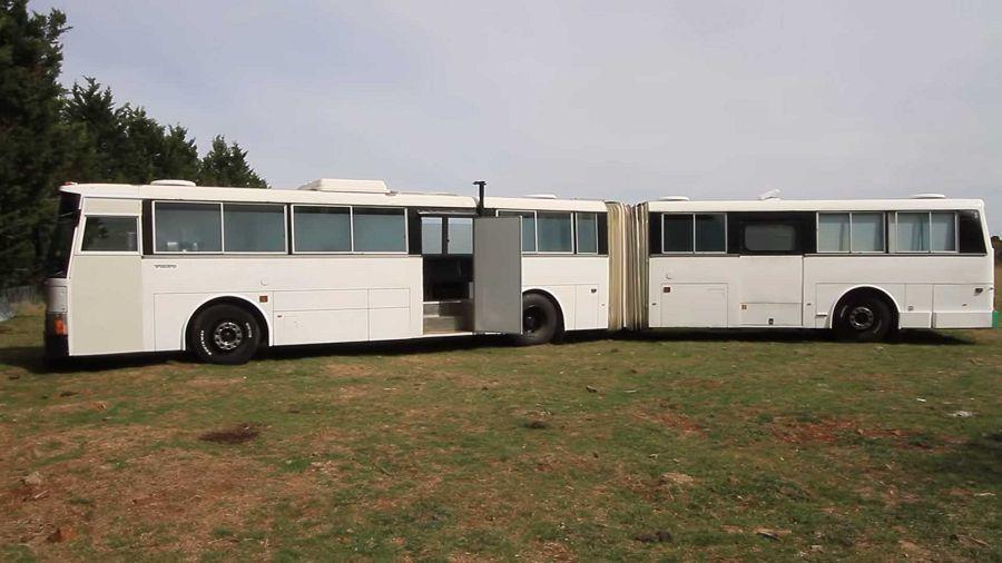 真正的魔術大空間─Volvo雙節巴士改造的寬敞露營車